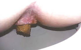Amateur wife dropped a very long turd