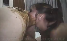 Asian babe rimming with fresh shit