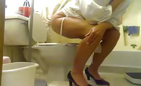 Hot wife peeing and pooping