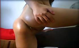 Tasting poop from her fingers