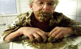 Eating a big pile of shit amateur scat eating