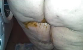 bbw fat chick panty pooping with diaria on a plate