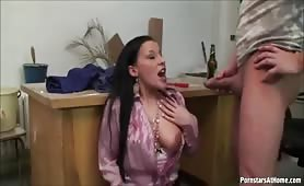 goldenshower and a blowjob pissing her in the face